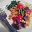 Мясо с овощами и пастой